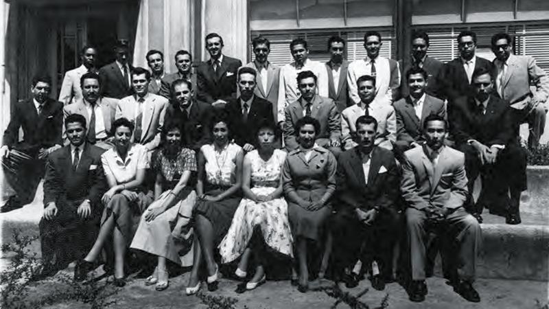 FOTO 2 Pie Centro Interamericano de Estadistica Economica y Financiera CIEF 22 1 1958 Cuarto de izq. a dcha. en 2a fila. min