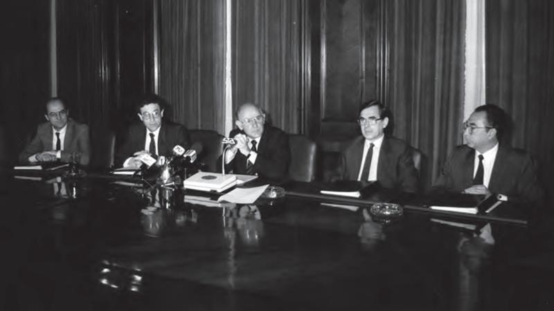 FOTO 4 PIE Consejo del Banco Central noviembre de 1989 Al centro su presidente Andres Bianchi. min
