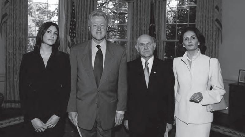 FOTO 5 PIE Presentacion de credenciales como embajador de Chile en Washington septiembre de 2000. min